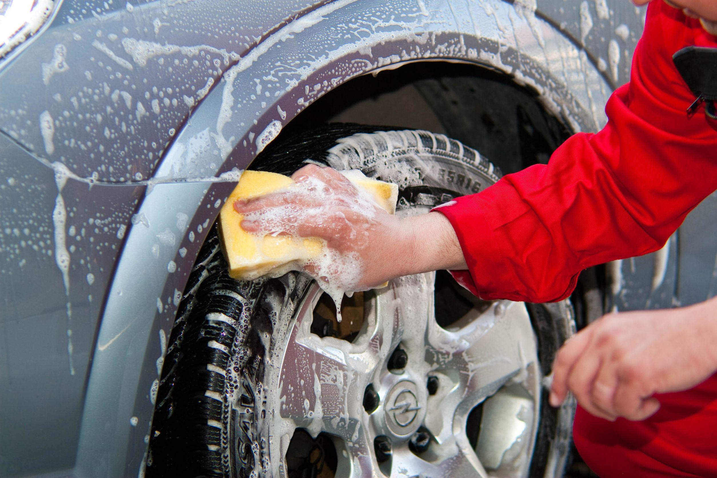 Mètodes per rentar el cotxe