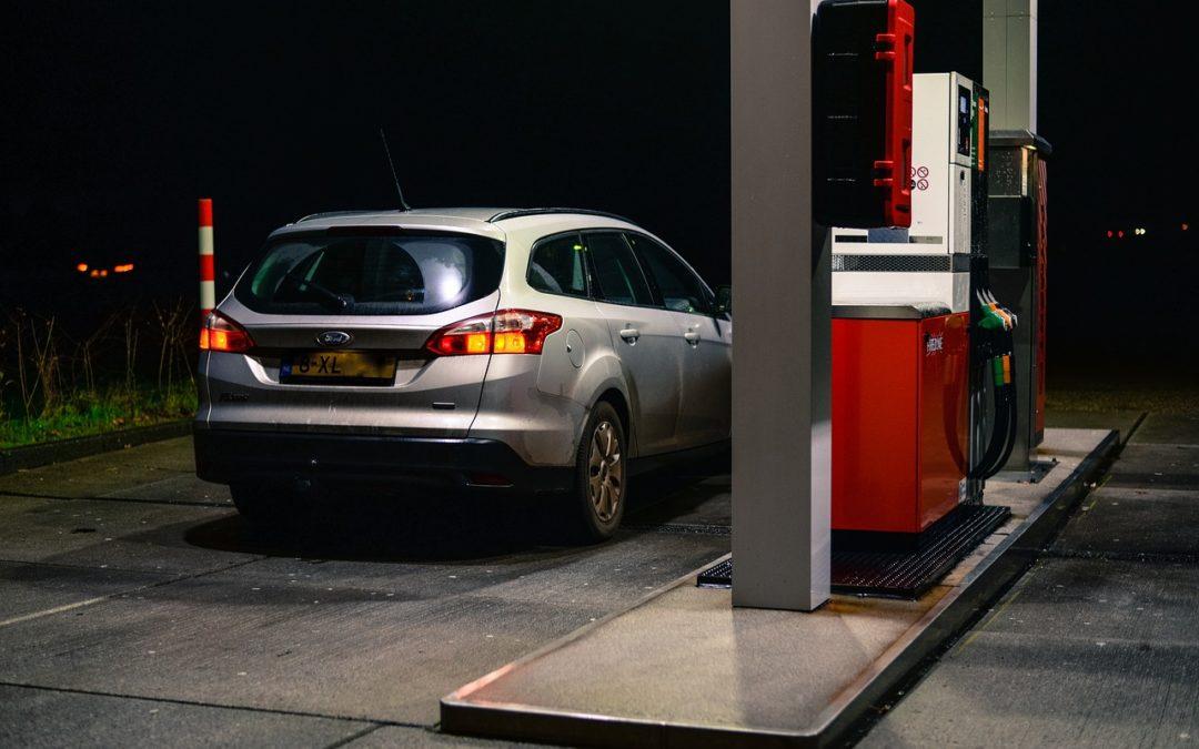 Com omplir el dipòsit de combustible eficientment
